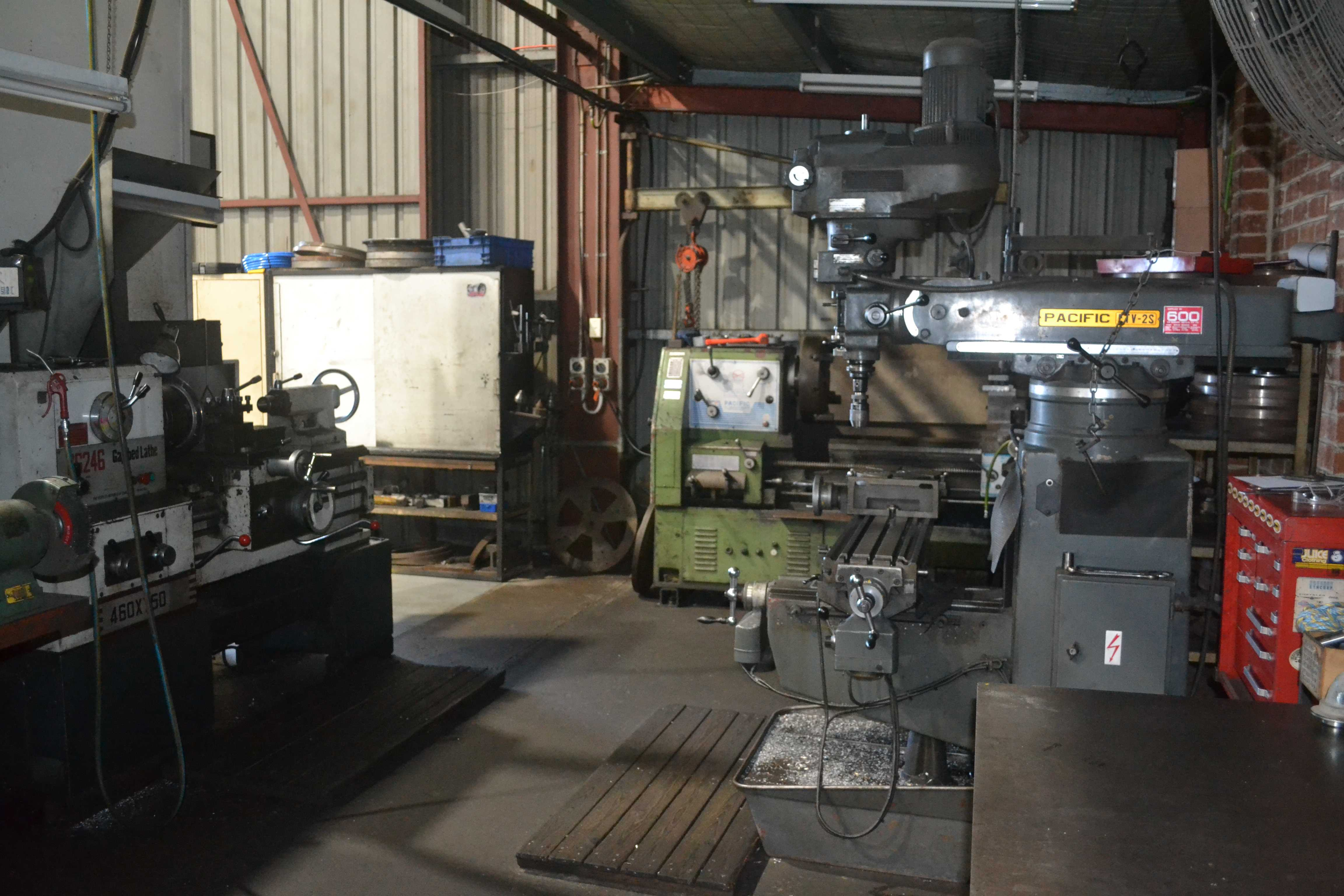 welding bay and machine shop dal trans